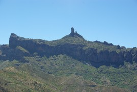 <strong>Roque Nublo</strong>